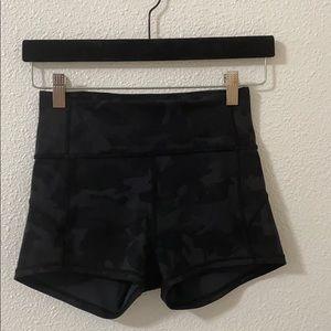 Black camp lululemon align shorts